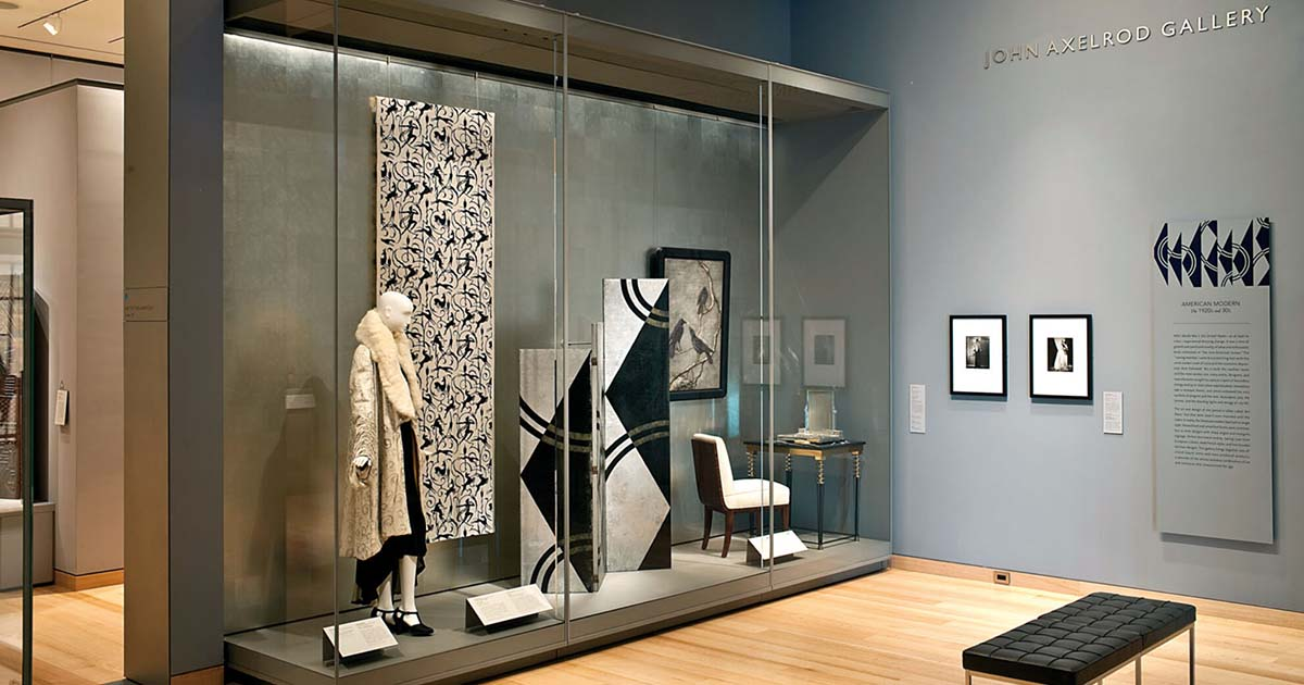 The glass allows you to create a wall full of art
